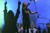 Richard Krajčo při pátečním vystoupení skupiny Kryštof.