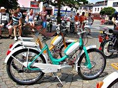 Do Světlé nad Sázavou přijela skoro stovka majitelů mopedů.