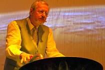 Petr Pfeiffer při koncertě.