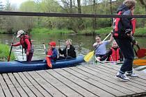 Poslední dubnovou neděli začala rituálem odemykání řeky Sázavy přibyslavským vodním skautům sezona. Rok 2016