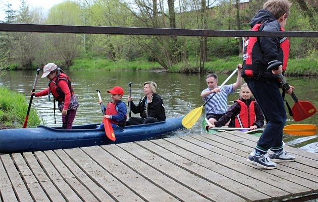 Poslední dubnovou neděli začala rituálem odemykání řeky přibyslavským vodním skautům sezona.