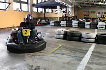 Soustředění a obratnost museli prokázat závodníci Havlíčkobrodského motokárového šampionátu, jehož první závod se včera konal v brodské KartAréně.