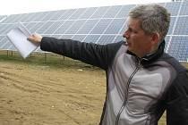 Holding Antonína Urbana (na snímku) investoval do prvního bloku fotovoltaické elektrárny dvaatřicet milionů korun. Dalších šestadvacet milionů promění  už v nadcházejících měsících za blok druhý.