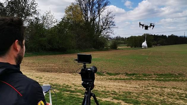 Natáčení videa Dnes upečené - Dronem Doručené.