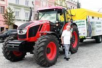 Jan Veleba se po nedávných volbách stal i krajským zastupitelem. V kampani, kterou jeho strana vedla společně s Okamurovou formací SPD, jezdil po Vysočině s traktorem.