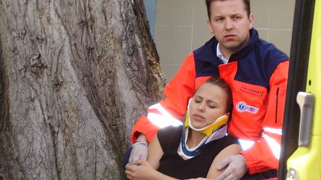 Při utkání nebudou zdravotníci zachraňovat životy (snad) ale svou sportovní čest.