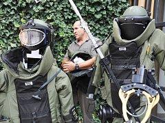 K likvidaci granátu z předválečných let přijeli do Chotěboře lidé z brněnské jednotky Pyrotechnické služby Policie ČR. Ilustrační foto.