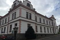 Nemocniční pavilon číslo deset v areálu Nemocnice Havlíčkův Brod, který chce Kraj Vysočina zbourat.