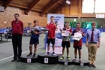 Na úspěchu se podílel i brodský stolní tenista Filip Karel (druhý zprava).