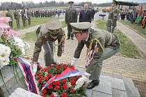 V Leškovicích uctili památku padlých partyzánů.