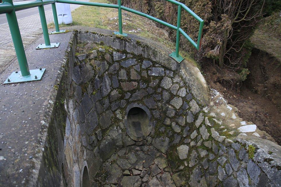 Potok v lokalitě Na Fialkách ve Světlé nad Sázavou.