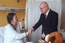 Mamince malého Šimona Gregora z Třebíčska  gratuloval starosta Jan Tecl.