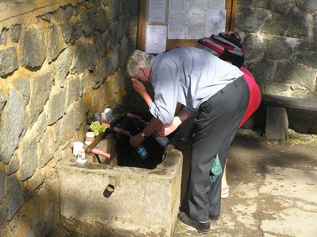 Voda u sv. Anny v Pohledu už od poloviny srpna neteče.