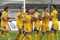 Jihlavští fotbalisté se mohli po utkání se Znojmem usmívat. Soupeře přehráli a po zásluze zvítězili 2:0.