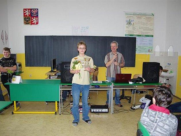 Vzal vítr z plachet. To se podařilo Tomáši Pibilovi (na snímku), který porazil v šachovém turnaji na Lipnici Viléma Paušímu, předešlého vítěze tří ročníků.