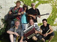 Taneční a dechová kapela IRIS Band funguje již od roku 1962. Za svoji dlouholetou historii si prošla mnoha změnami a především pak obrovským vývojem dopředu.