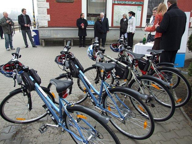 Z existence nové světelské cyklostezky může profitovat i půjčovna kol, kterou na nádraží ve Světlé zprovoznily České dráhy.