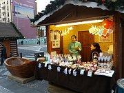 Oblastní charita Havlíčkův Brod má poprvé stánek s vlastními výrobky k prodeji na adventních trzích na pražském Václavském náměstí.