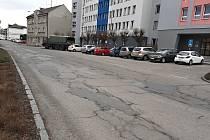 Husova ulice v Brodě volala po opravách už léta.