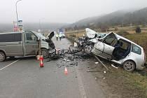 Od začátku roku zemřelo na silnicích v Kraji Vysočina celkem třináct lidí. Policie poukazuje na nedodržování povolené rychlosti a nedbalost řidičů. Ilustrační foto.