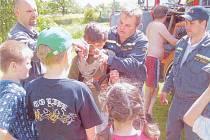 Jedním z pravidelných počinů oddílu mladých hasičů je i Dětský den, který spolupořádá s dospělými hasiči pro žáky dolnoměstské základní školy.