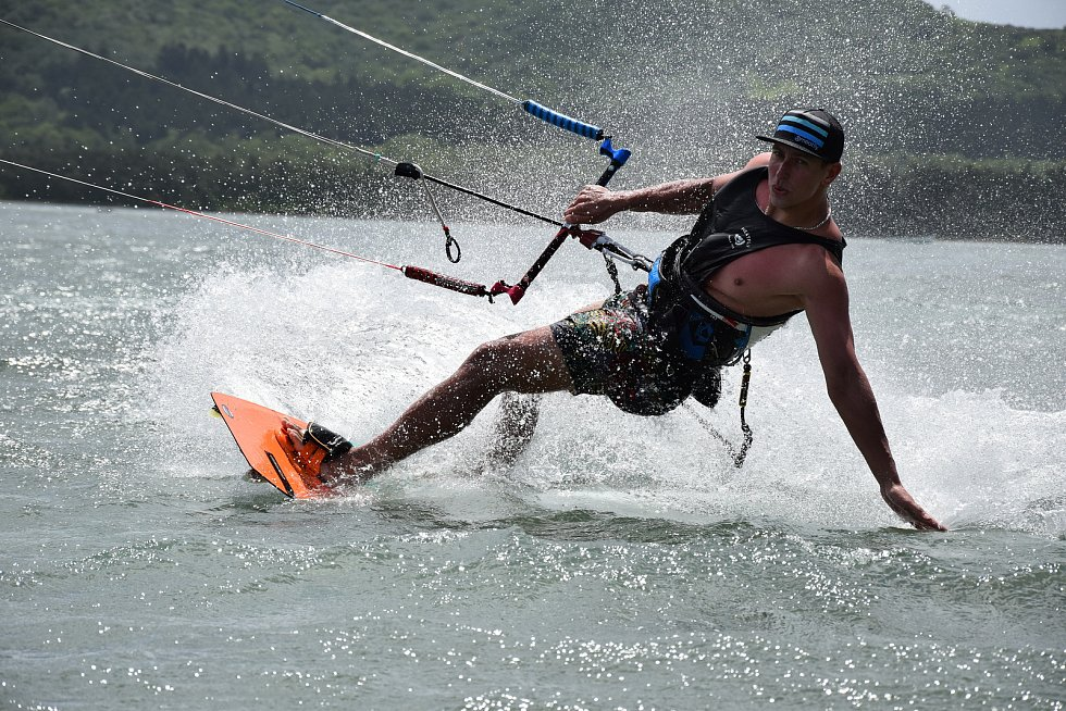 Kiteboardingu se Tomáš Trnka věnuje už šestnáct let.