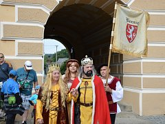 Na zámeckých slavnostech ve Světlé samozřejmě nechyběl ani Karel IV. se svou družinou.