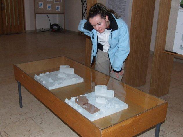 Jak to má vypadat v areálu u havlíčkobrodské knihovny, si mohou zájemci prohlédnout ve vestibulu staré radnice.