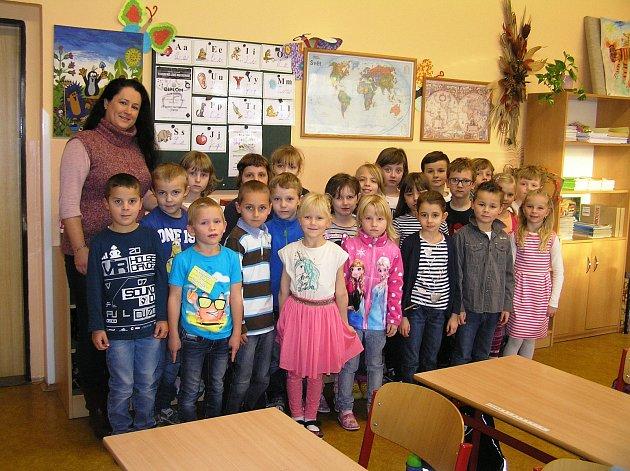 Na snímku jsou žáci 1.C Základní školy Ledeč nad Sázavou střídní učitelkou Mgr. Soňou Pecho.