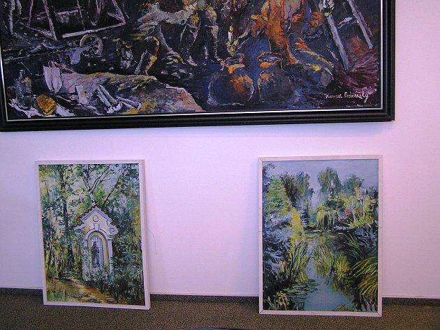 Dva obrazy z meditační zahrady a odlitek kříže.
