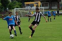 Třicet minut. Tolik stačilo starším divizním dorostencům Slovanu k rozhodnutí zápasu v Třebíči, kde vedli už 3:0 a hattrickem se blýskl Fišer.