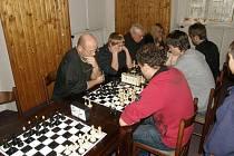 """Šachový turnaj s názvem """"Memoriál Romana Bruknera st."""" se odehrál v Havlíčkově Borové."""
