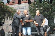 Moderátor Slávek Boura vyzpovídal i ředitele chotěbořského pivovaru Richarda Moravce a sládka Oldřicha Zárubu.