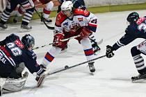 Z hokejového utkání HC Rebel - HC Benátky n. Jiz.