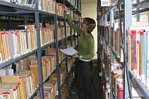 S malým zázemím bojuje především Krajská knihovna Vysočiny v Havlíčkově Brodě. Její fond je totiž tak rozsáhlý, že musí mít sklad mimo stávající budovu a každý den jezdit pro objednané knihy a vézt zpět ty vrácené. Nové budovy se však zatím nedočká.