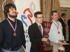 Zleva: Jiří Štoček, David Navara - nový mistr republiky a Vlastimil Babula.