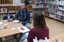 Čtenářský klub je v krajské knihovně horkou novinkou.