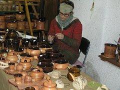 Lidová řemesla lákají do Libice stovky lidí hned dvakrát do roka.