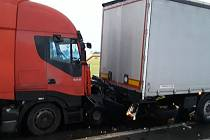 Dopravní nehoda u Štoků.