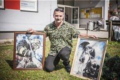 Josef Barták má obrazy i s hasičskou tematikou. Tyto však vznikly jako překvapení pro hasiče kolegy z Jihlavy a Okrouhlice.