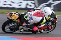 Brodský motocyklista Michal Prášek (na snímku) ztrácí před posledním závodem mistrovství ČR na maďarském Hungaroringu na vedoucího Karla Peška šest bodů.