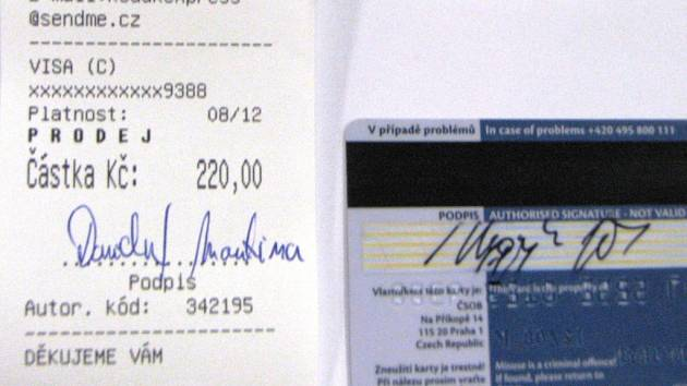 Mužský podpis na kreditní kartě a ženský na účtence z obchodu. Prodavači v krajském městě si tohoto rozdílu buď nevšimli, nebo ho mlčky přehlédli. Správně měli u pokladny kartu zabavit a znehodnotit.