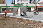 Práce na revitalizaci náměstí pomalu finišují.
