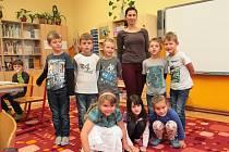 Na fotografii jsou žáci první třídy ZŠ a MŠ Dolní Město s třídní učitelkou Martinou Heroutovou. Příště představíme prvňáčky ze ZŠ a MŠ Dlouhá Ves.