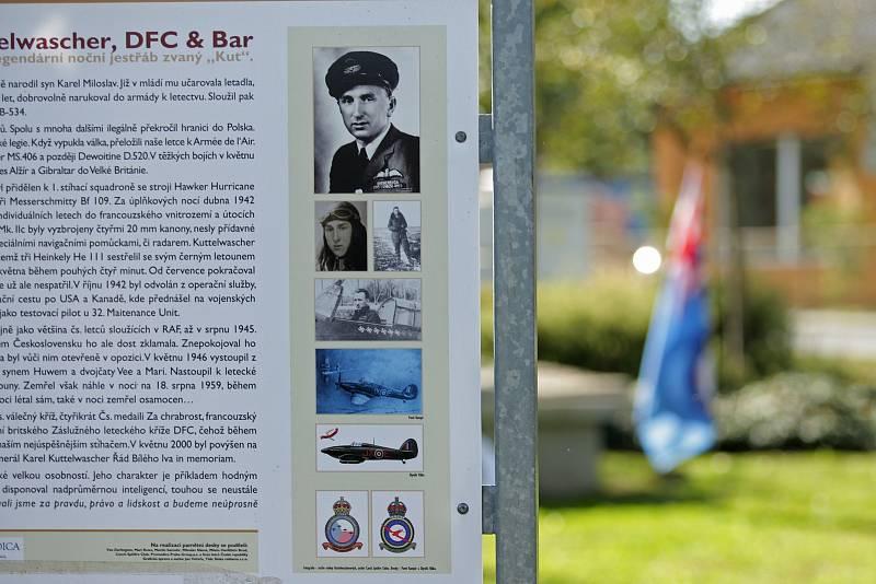 Ve Svatém kříži u Havlíčkova Brodu vzpomínali výročí narození svého nejslavnějšího rodáka. Před 105 lety se zde narodil válečný pilot Karel Kuttelwascher.