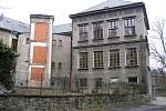 Budova obchodní akademie  je léta prázdná,  má z ní být  azylový dům.