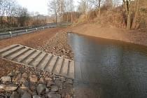 Obnova rybníka v Brzkově.