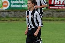 Malý velký fotbalista je v mladším dorostu Dominik Megela, který je růstově malé postavy, ale výkonem na hřišti kolikrát převyšuje větší vrstevníky. V zápase v Bystrci se podílel svým zahraným rohovým kopem na třetím gólu Slovanu, který zužitkoval Jaroš.