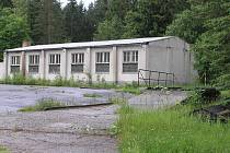 Bývalý vojenský areál v Bílku u Chotěboře je zřejmě bez údržby odsouzen k zániku. Investice by totiž šly do milionů korun.