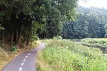 Cyklostezka si ve Světlé nad Sázavou rychle našla své příznivce. Vede přímo podél Sázavy.
